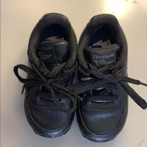 Reebok Shoes - Reebok Classic
